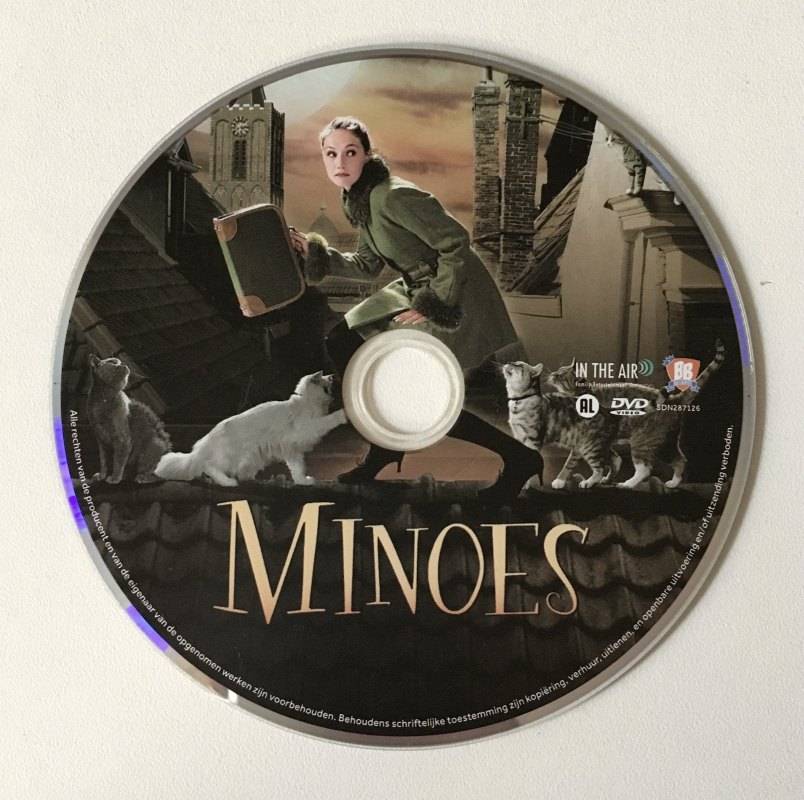 Minoes-dvd'tje met 'poes' Minoes.