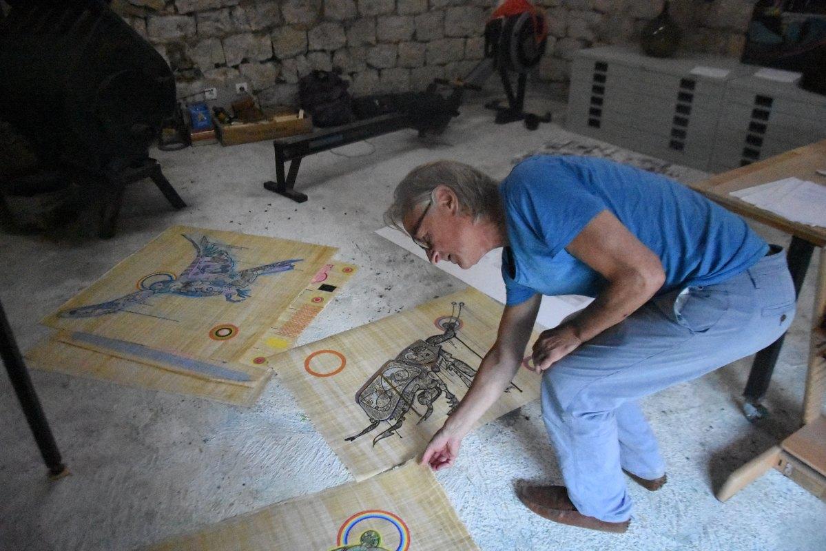 Jeroen van Merwijk in zijn atelier in Saint Juliette in 2019. Foto: Jeroen Wielaert