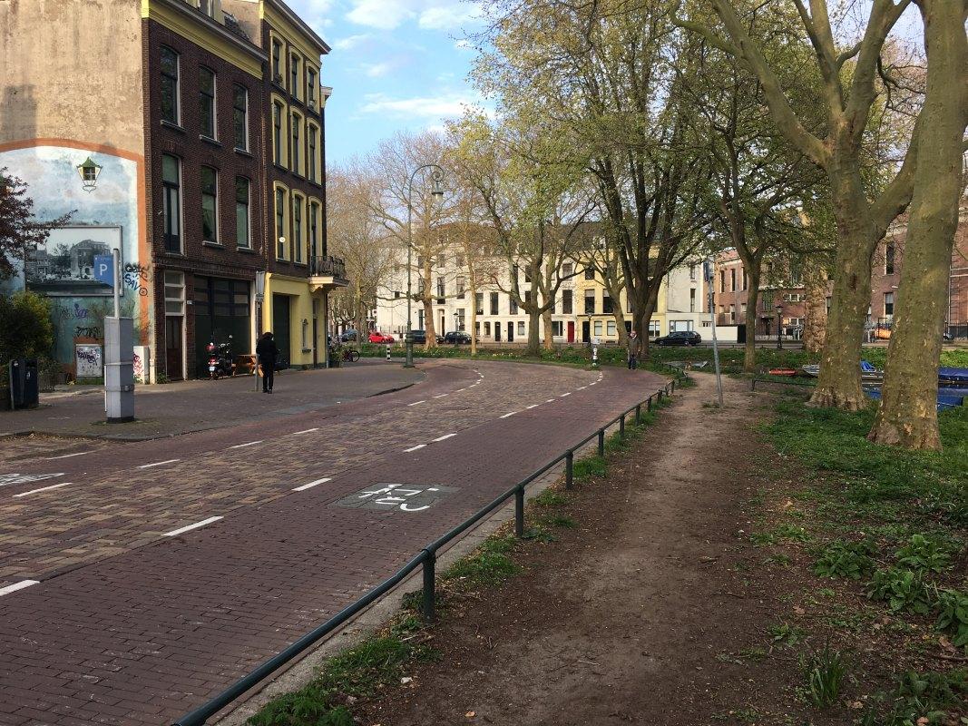 'Olifantenpaadje' langs de Singel bij de Bellamystraat. Foto: Dik Binnendijk
