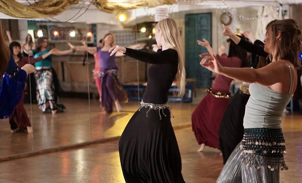 Dansschool Yazila Alhambra in de Catharijnesteeg voor de coronabeperkingen. Foto: Alhambra