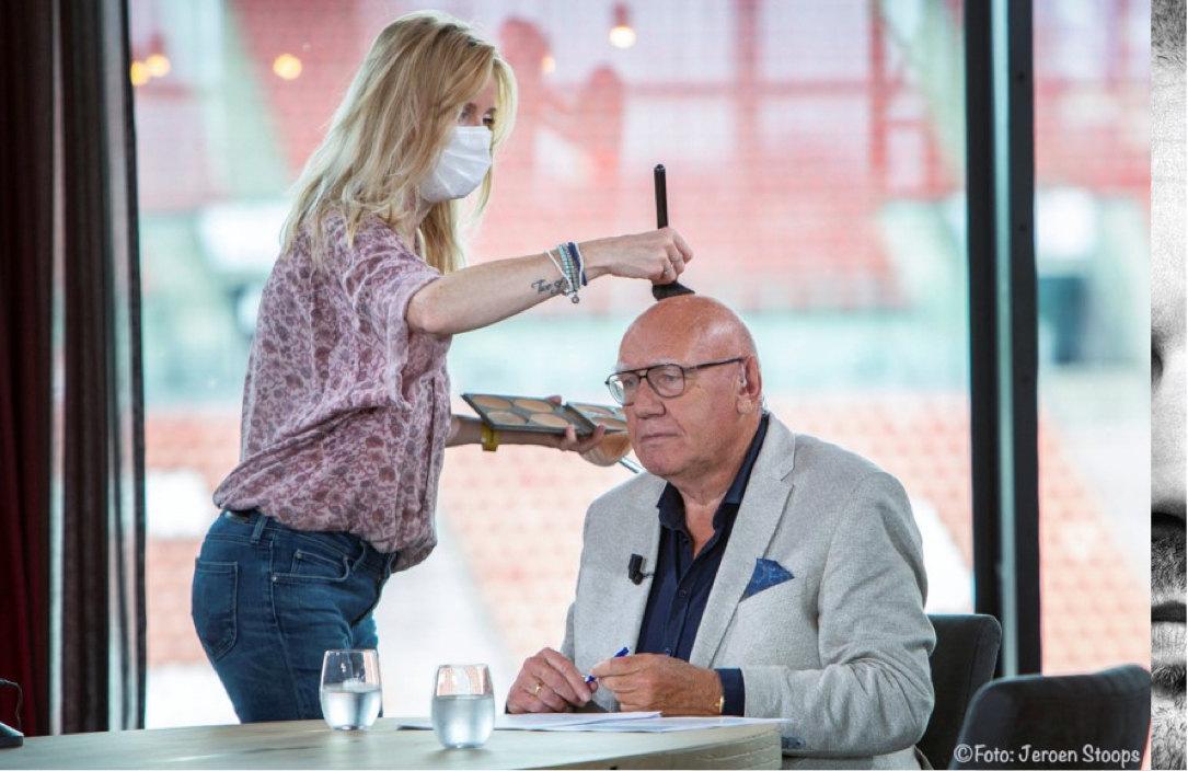 Kees Jansma in 2020 in stadion Galgenwaard bij de voorbereiding van een tv-interview. Foto: Jeroen Stoops