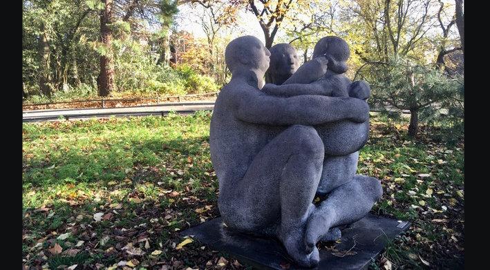 'Familiegroep' wordt dit beeld van Joop Hekman in de volksmond genoemd (foto: Edith Wegman)