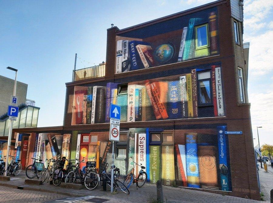 'Boekenkast' van Jan is de Man en Deef Feed (foto: Marja Baseler) - klik erop voor een vergroting