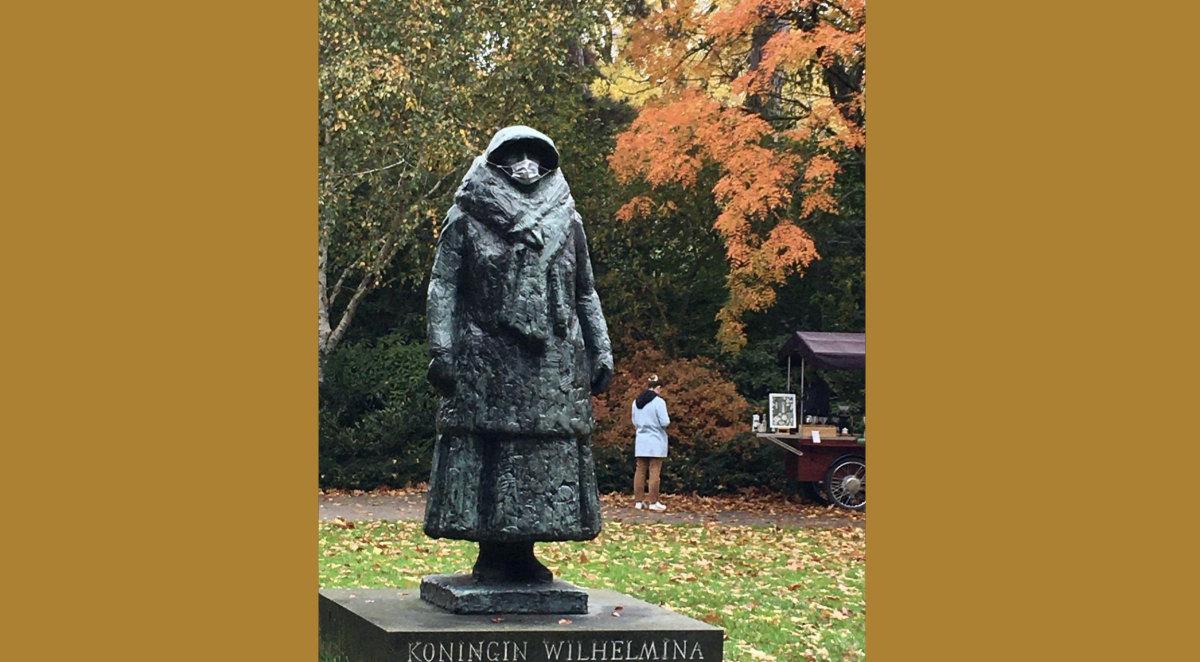 'Koningin Wilhelmina' van Mari Andriessen. Foto uit 2020: Leo Mesman (klik erop voor een vergroting)