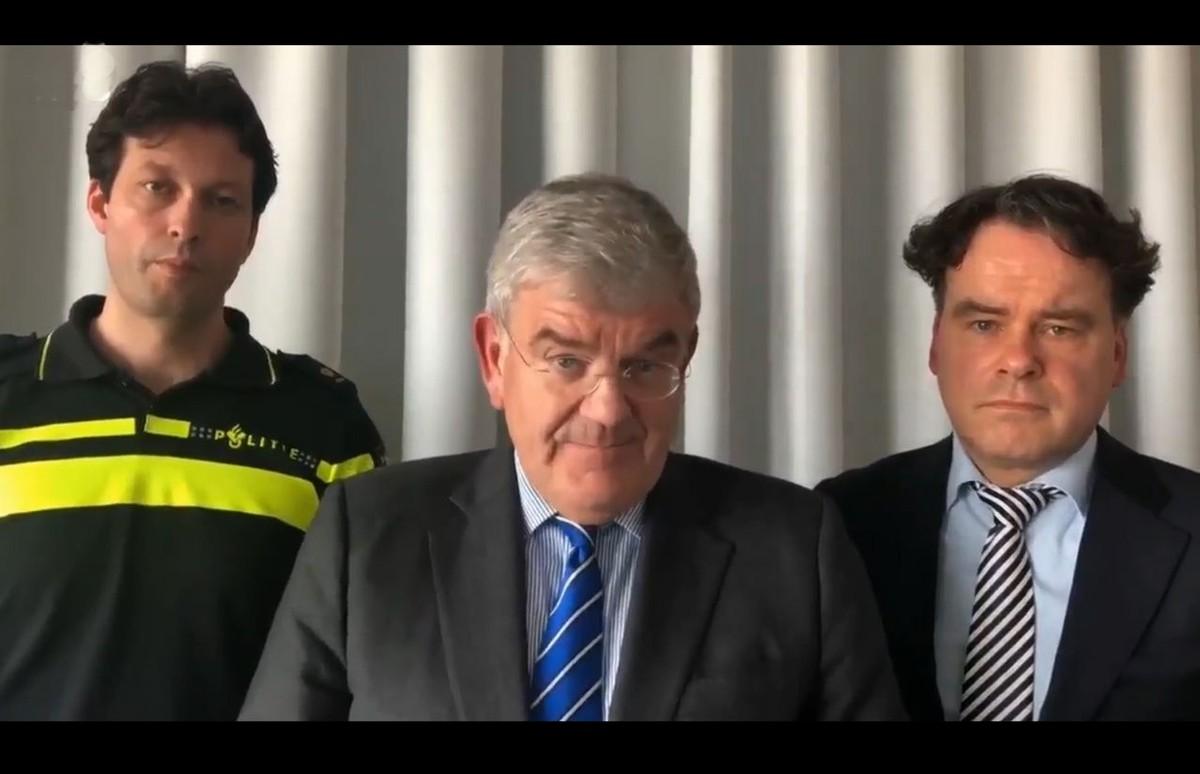Vlnr: Rob van Bree (politie), burgemeester Jan van Zanen en Rutger Jeuken (Justitie). Still uit video gemeente Utrecht