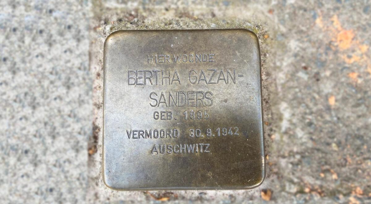 Het in 2019 geplaatste struikelsteentje voor Bertha Sanders. Foto: Jim Terlingen