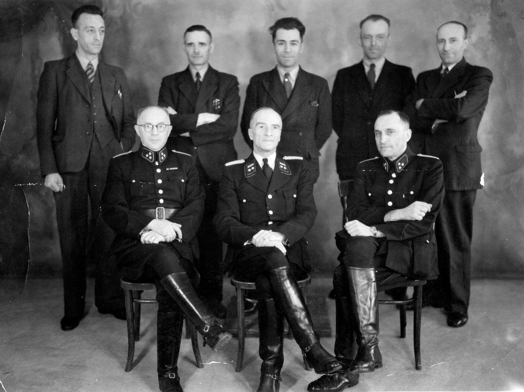 De jodenploeg van de politie in Utrecht ('kamer 14'). Een van de 100 gekozen Tweede Wereldoorlog-foto's.
