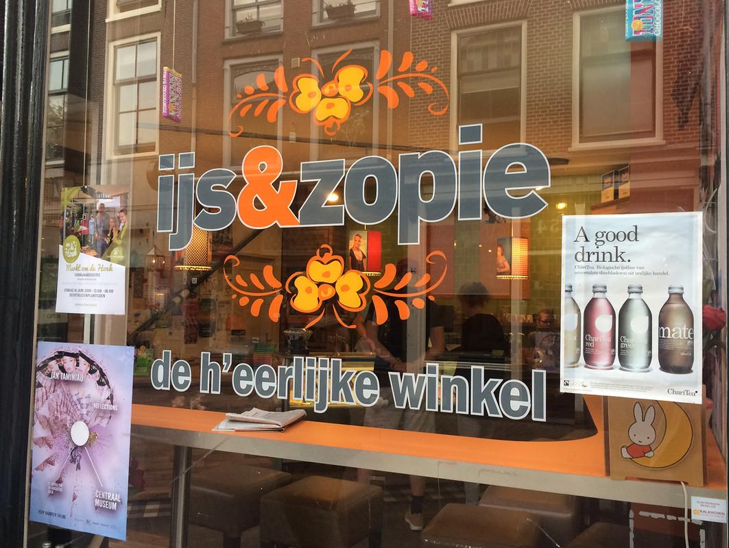 IJs & Zopie op de Twijnstraat. Foto: J. Terlingen