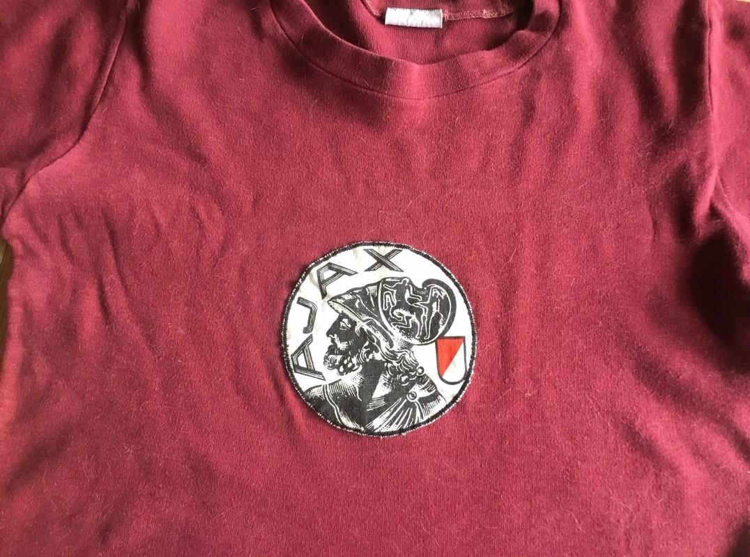 Mijn gymshirt op de Gregoriusschool (met kattenharen). Foto: Jim Terlingen