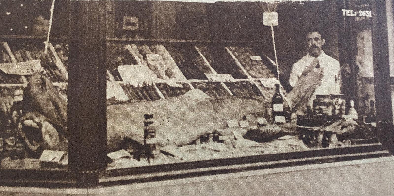 1926, waar is deze viswinkel? Foto: archief 'Utrecht in Woord en Beeld'