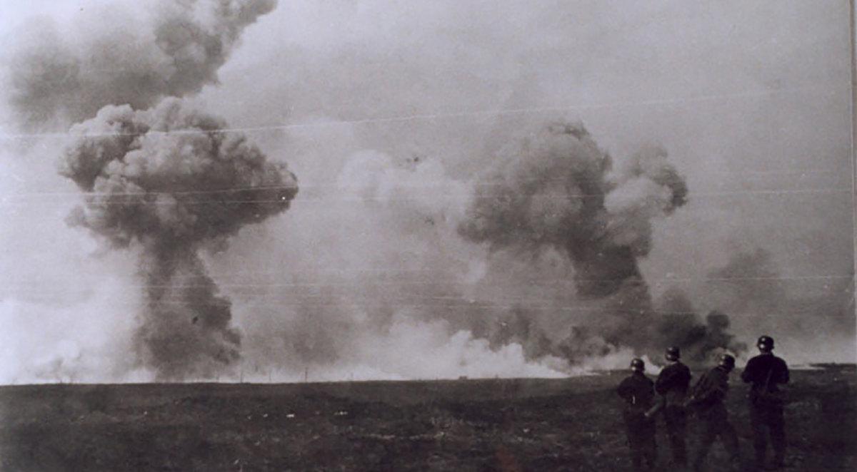 18 april 1941, explosies op de Leusderhei. Foto: archief Eemland