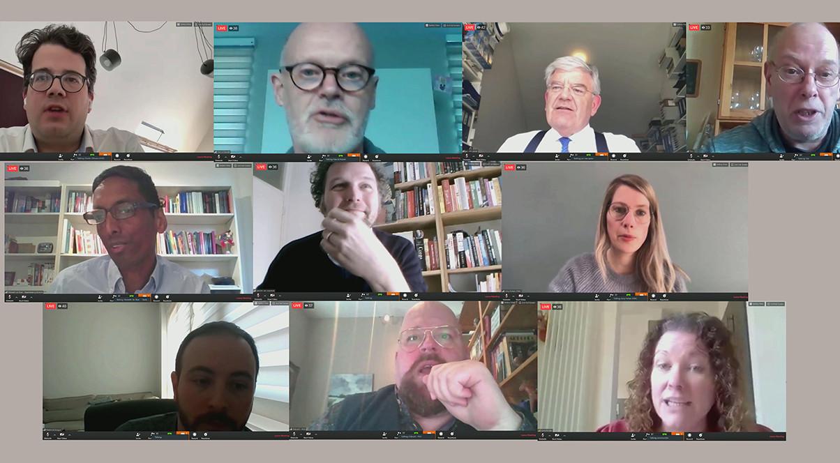 Tien deelnemers aan de gemeenteraadsvergadering vanmiddag (er waren er meer). Compilatie van screenshots: J. Terlingen
