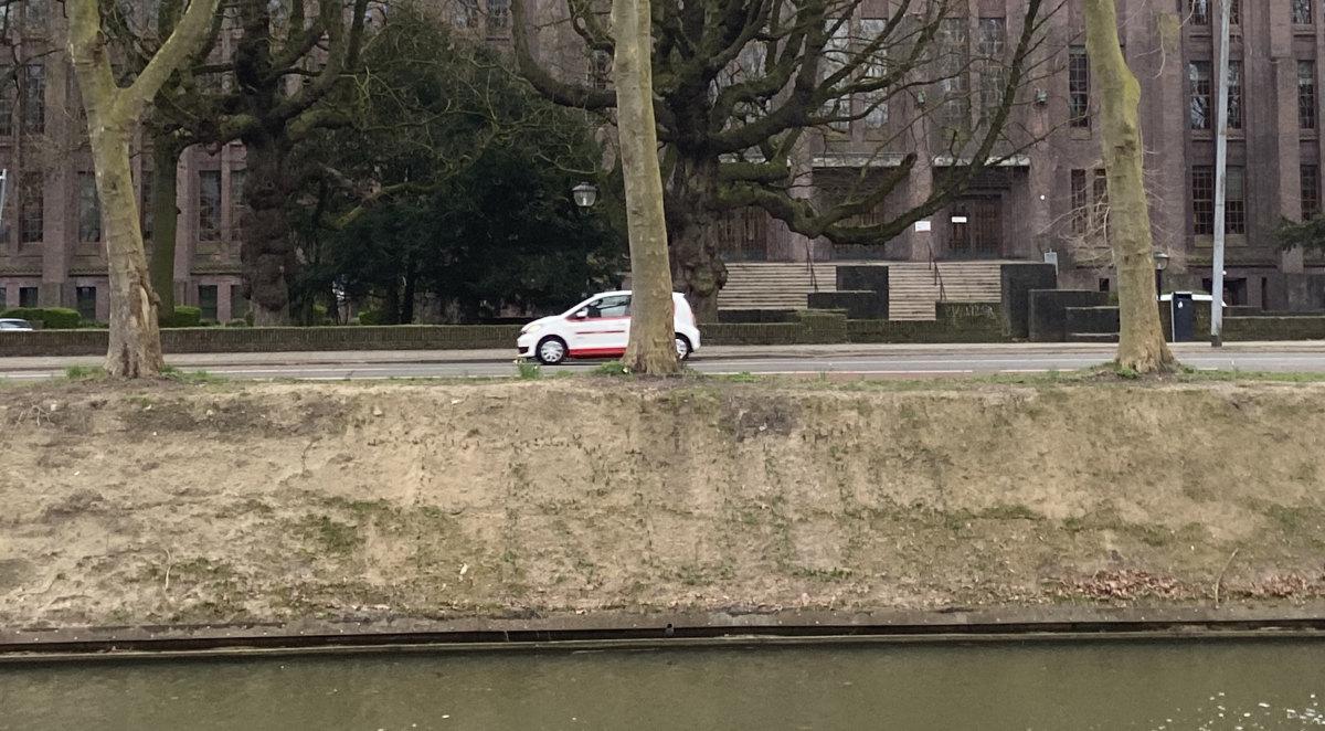 20 maart 2021, de contouren van 'Truus' worden zichtbaar op de nieuwe plek. Foto: J. Terlingen