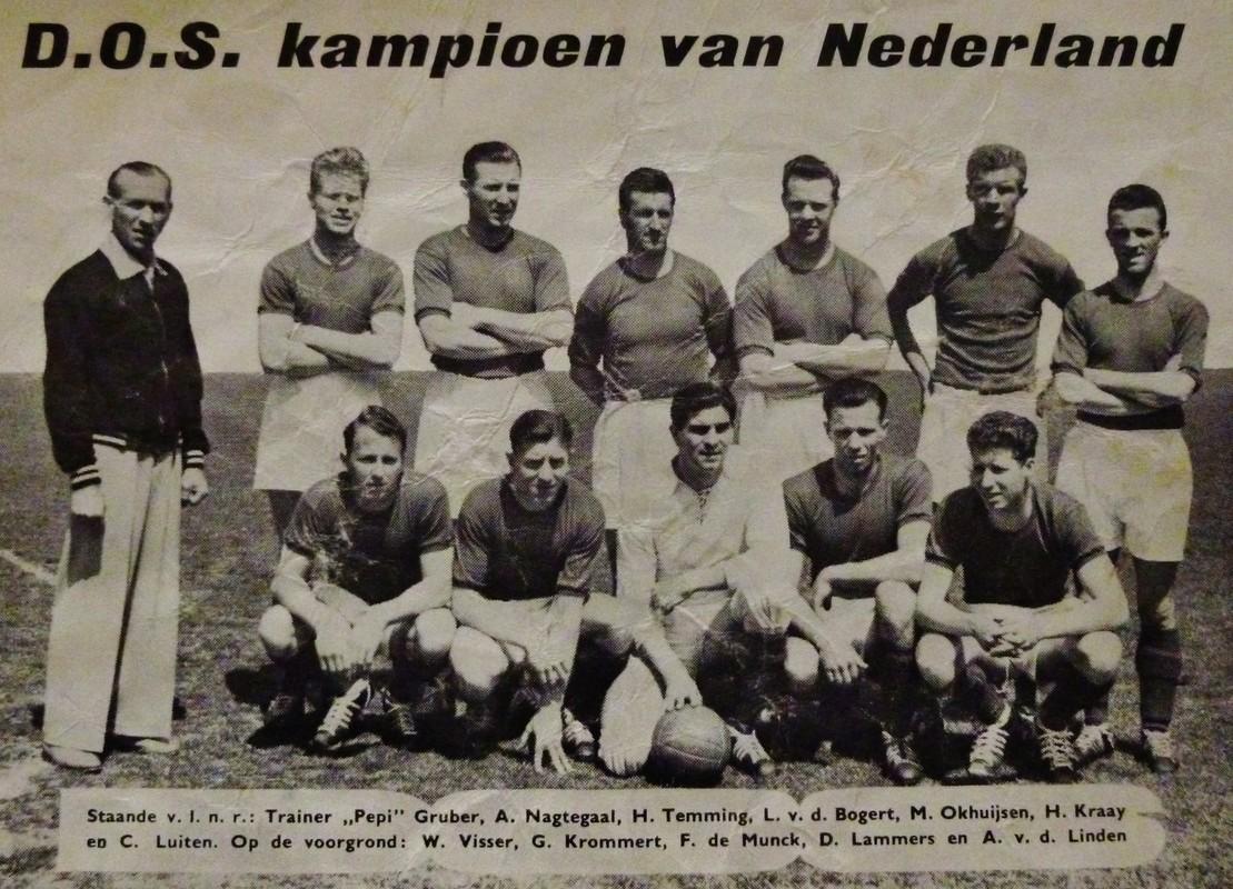 Het kampioenselftal van DOS 1957-1958. Foto: archief