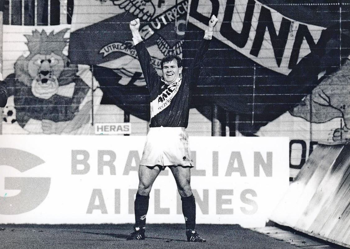 De legendarische Wlodi Smolarek scoort in 1991 tegen Real Madrid.  Foto: archief