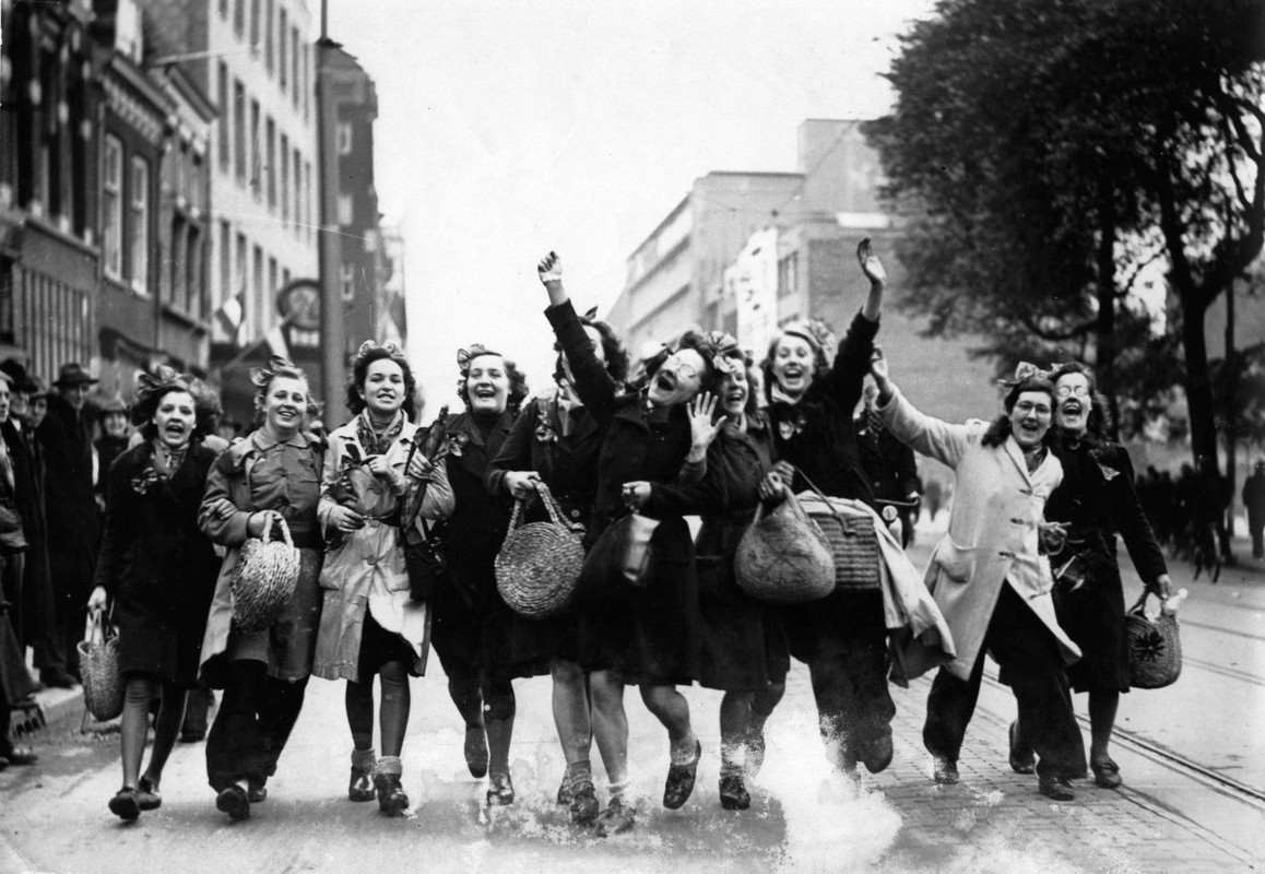 Vreugde op het Vredenburg. Foto: Collectie HUA