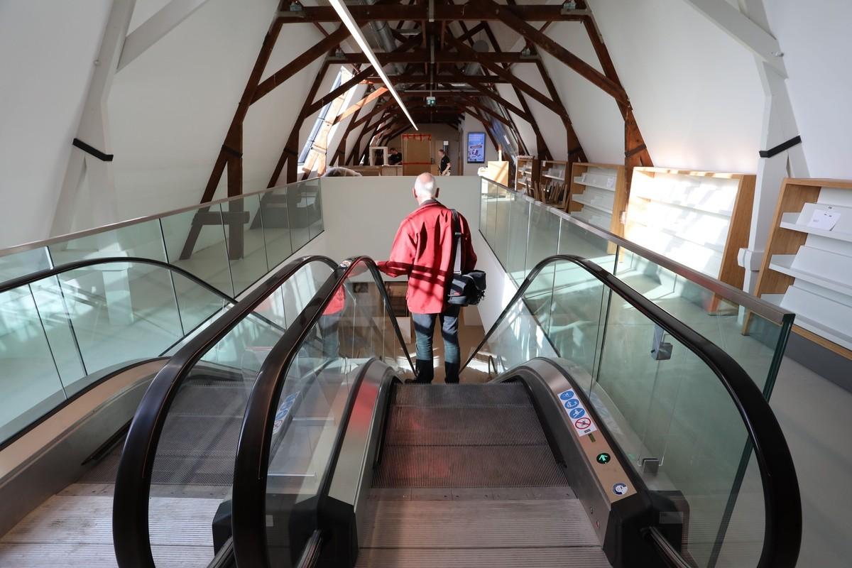 Fotograaf Rob van der Lingen maakte voor de opening foto's in de Centrale Bibliotheek.